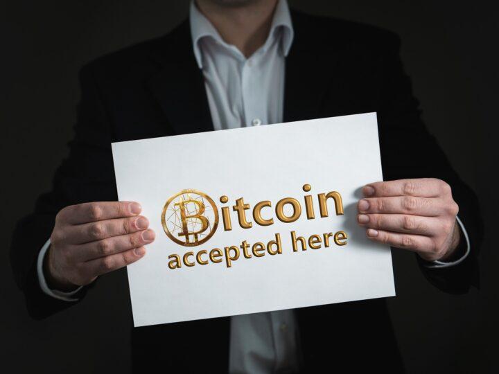Uber pourrait commencer à accepter le payement en Bitcoin et d'autres Cryptomonnaies